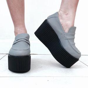 Rare pair of unif edge platforms DOLLSKILLS